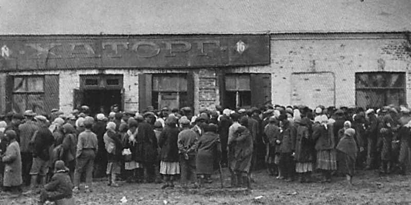 Очереди голодных людей в Харькове.Фото:telegraf.com.ua