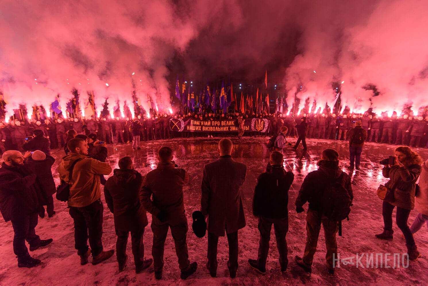 факельный марш смолоскипний правый сектор файер азов национальные дружины митинг